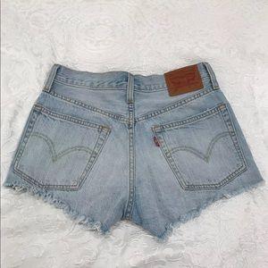 sz 24 Levi's 501 cut off jeans shorts